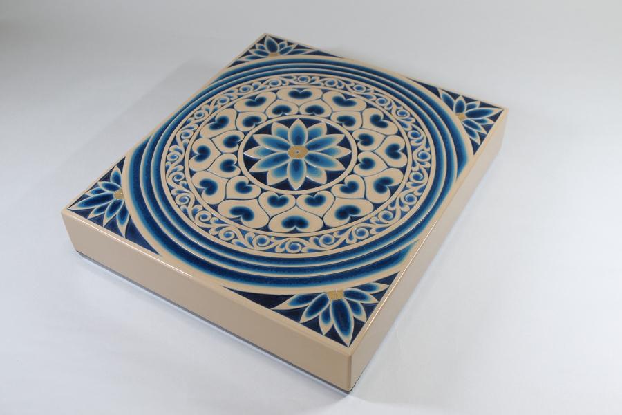 彫漆硯箱「青蓮華」